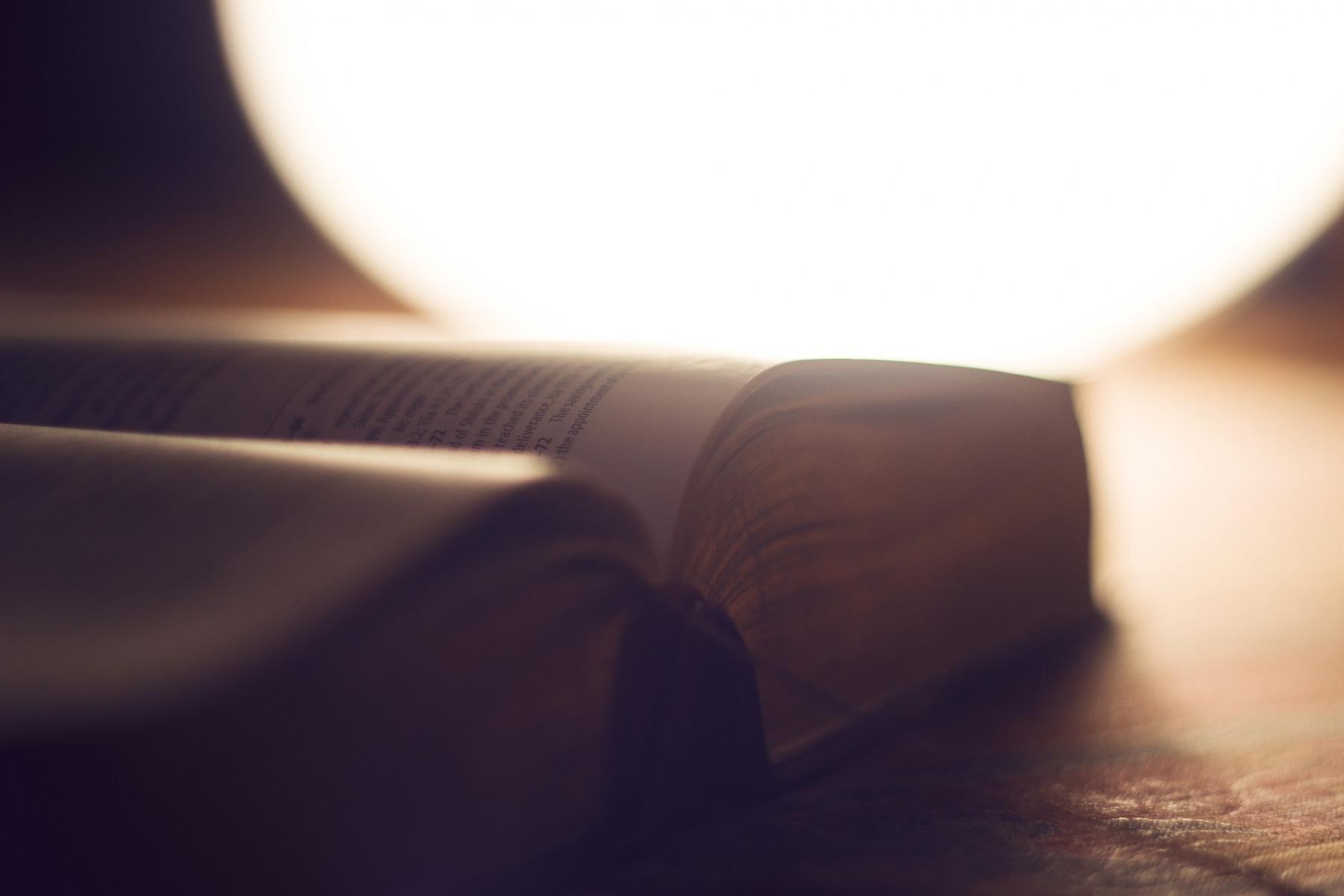 1_bible-1869164_1920